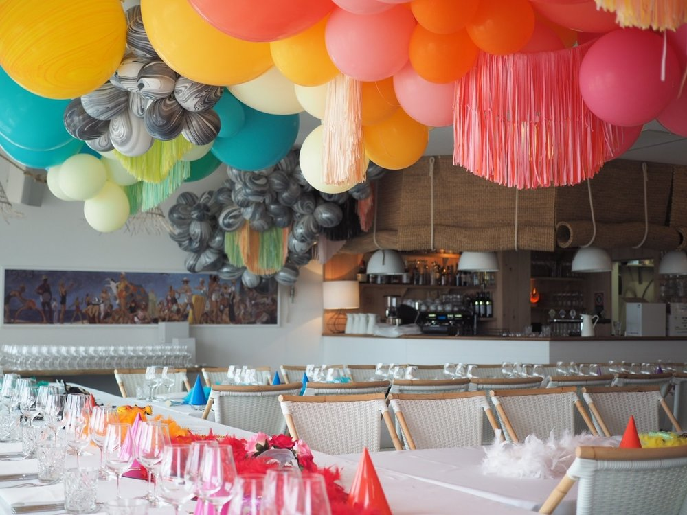 Heidi Moore of  The Bespokery  creates festive balloon installations in Australia.