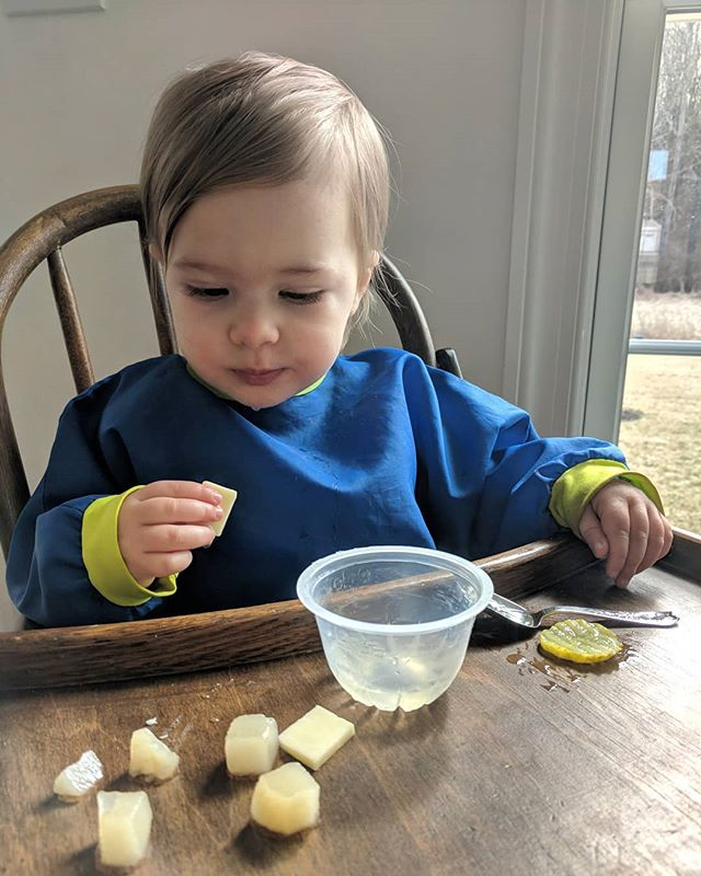 "Such a sweet little one who loves her cheese, pears, and ""peeples"" 🧀🍐🥒❤️"