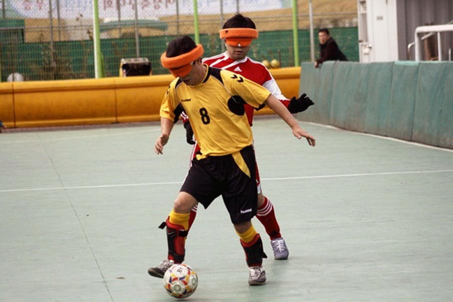 시각-장애인-축구-장면_resize.jpg