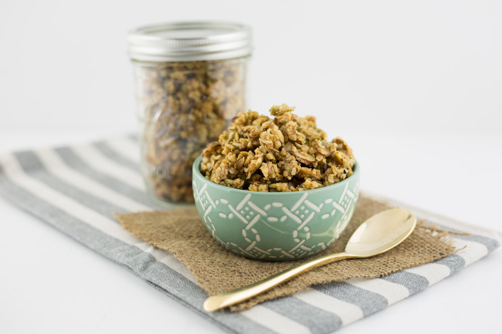 fall granola, healthy granola, easy, quick, healthy, homemade, maple vanilla granola, paleo recipes, health coach, minneapolis,