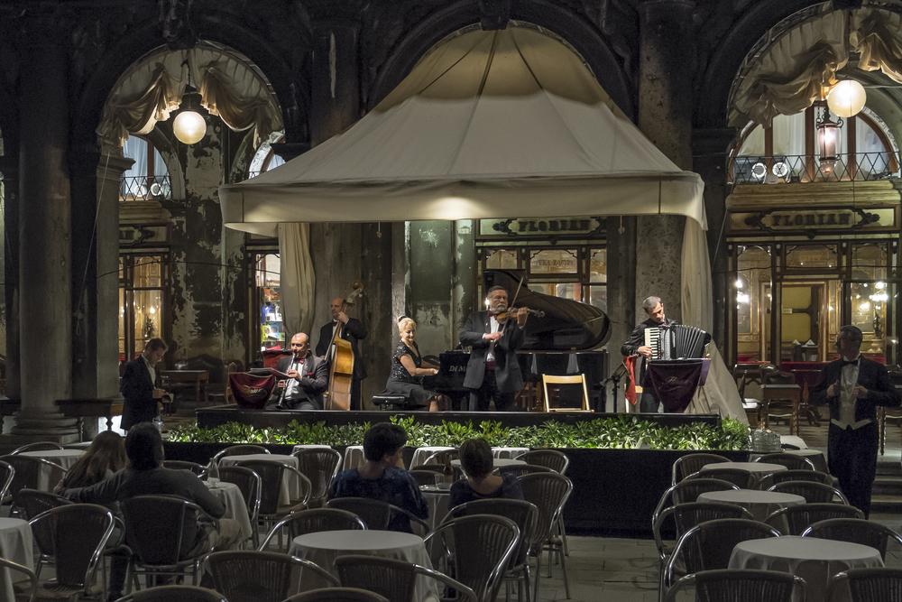 Venice-FlorianSlowNight-20140521-DSCF5778.jpg