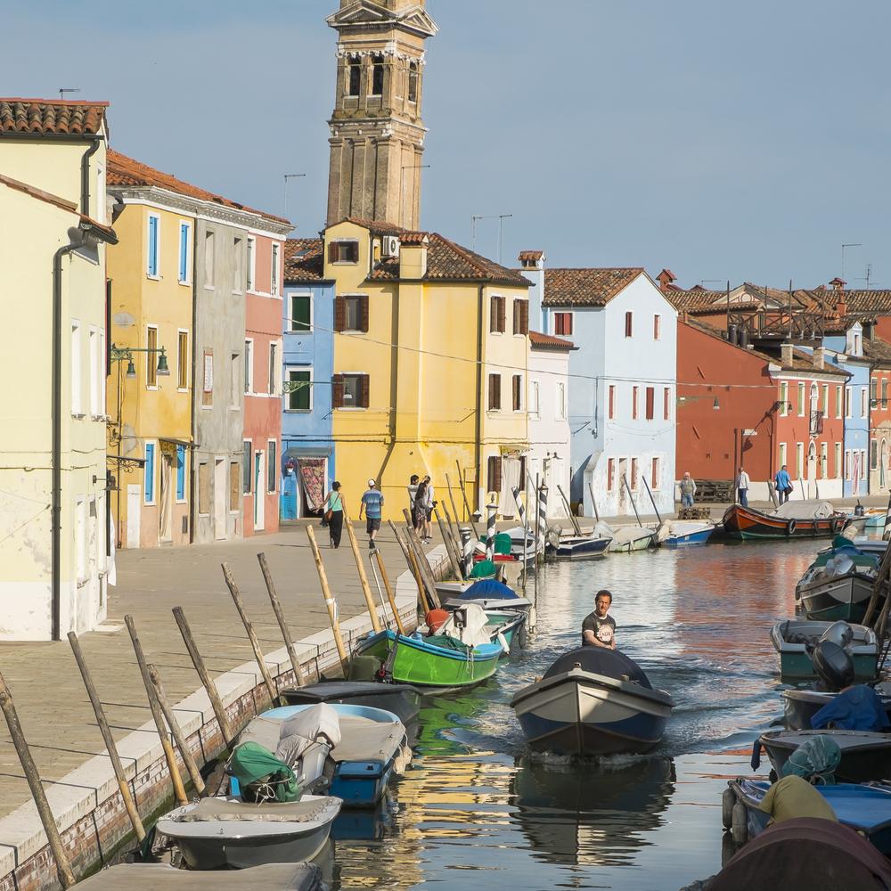 Venice-BuranoBoatGuy-20140521-DSCF5663.jpg