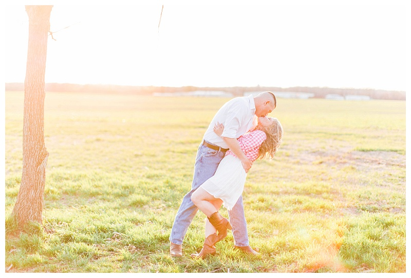 slaughter_penn_farm_fredericksburg_virginia_engagement_session_natalie_jayne_photography_image