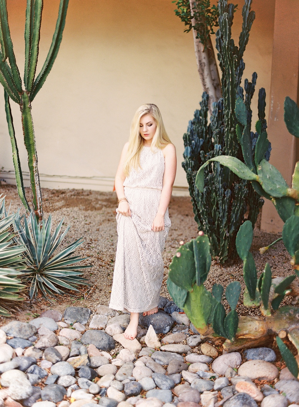 Scottsdale-Arizona- film-portrait-session-skyline-fireside-hotel-Hope-Taylor-by-Natalie-Jayne-Photography