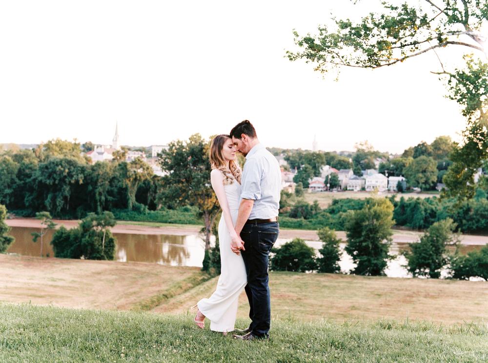 fredericksburg_anniversary_natalie_jayne_moore_photography_image-03-10.jpg