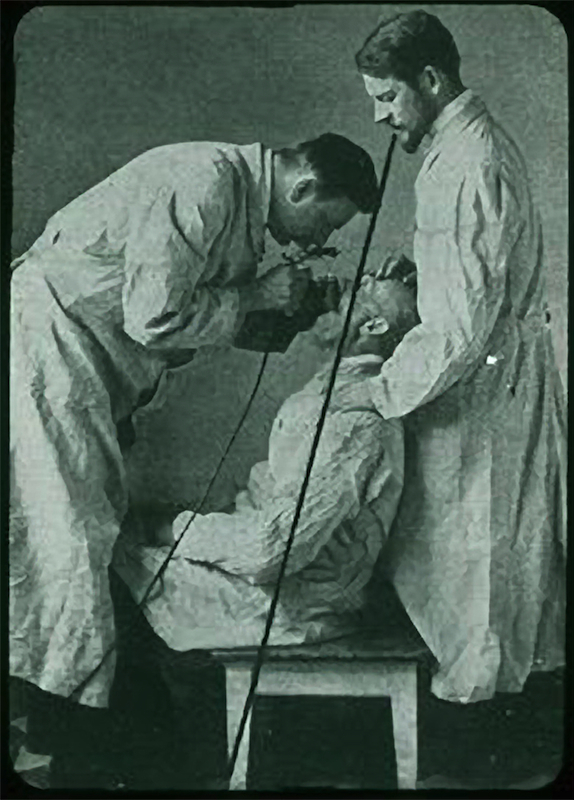 Dr. Bruning, exam in sitting position