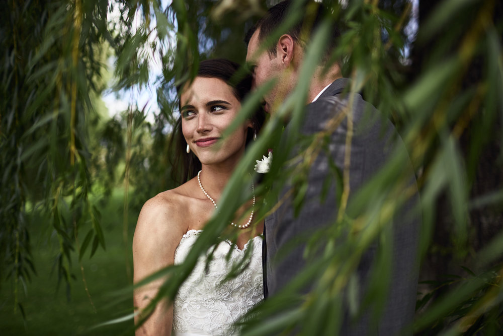 Twin_Cities_Minneapolis_Minnesota_Wedding_Photographer_Candid_Barn_Rustic_Outdoor_Joe_Lemke_009.JPG