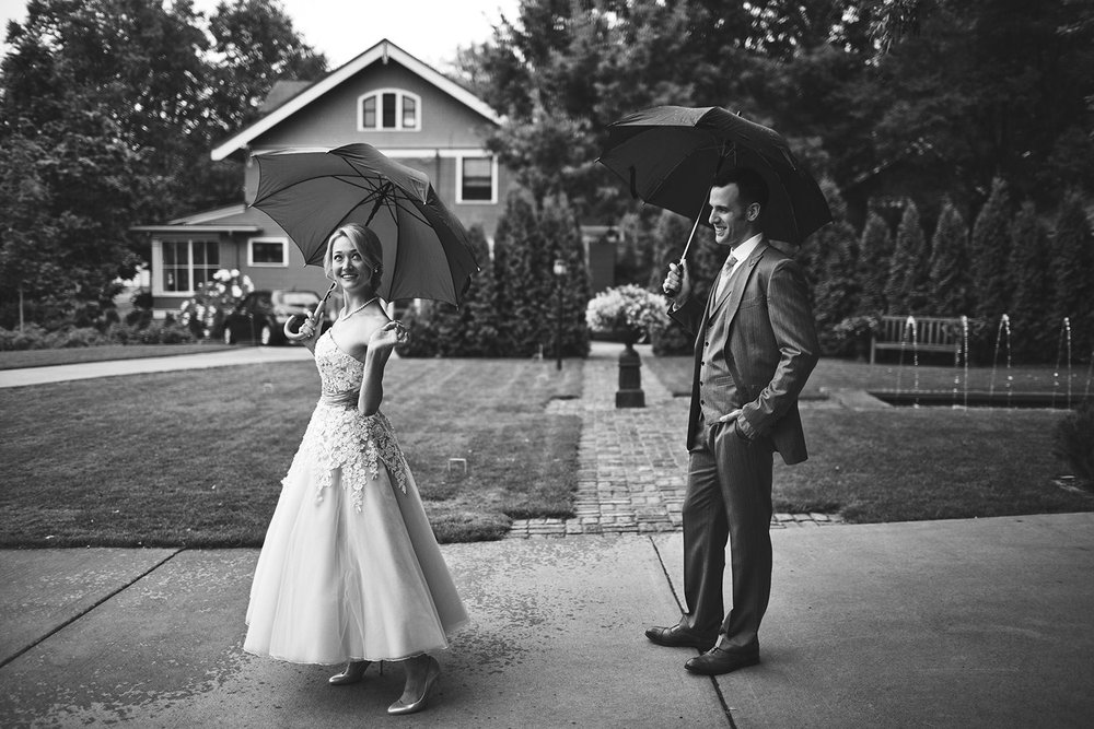 Twin_Cities_Minneapolis_Minnesota_Wedding_Photographer_Candid_Barn_Rustic_Outdoor_Joe_Lemke_011.JPG