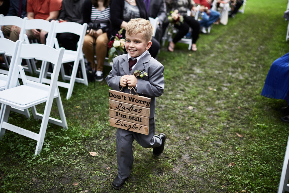 Twin_Cities_Minneapolis_Minnesota_Wedding_Photographer_Candid_Barn_Rustic_Outdoor_Joe_Lemke_031.JPG