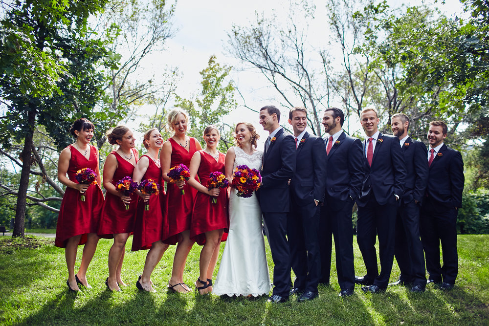 Twin_Cities_Minneapolis_Minnesota_Wedding_Photographer_Candid_Barn_Rustic_Outdoor_Joe_Lemke_047.JPG