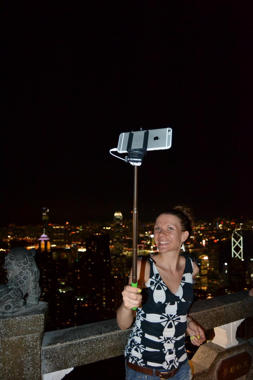 Pakollinen selfie Victoria Peakilla Hongkongissa