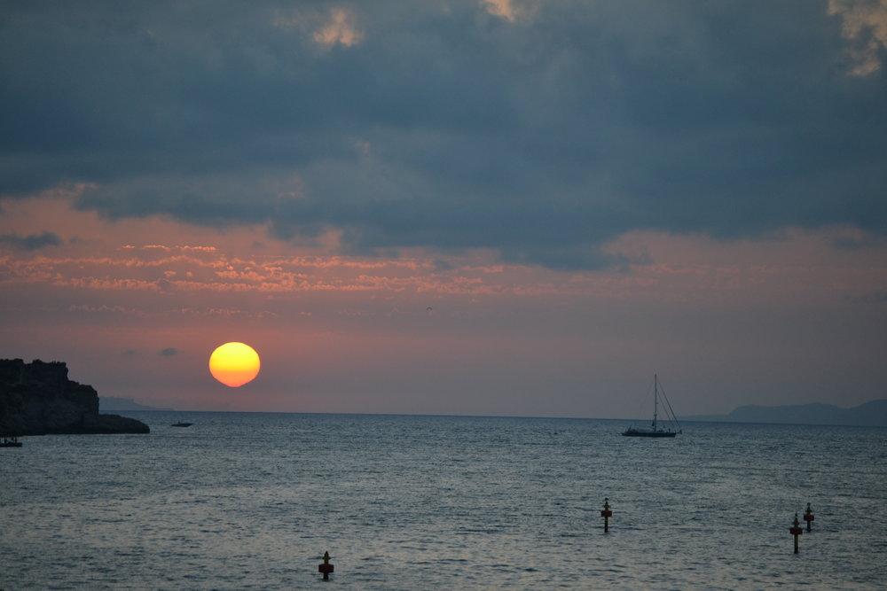Auringonlasku Sorrentossa