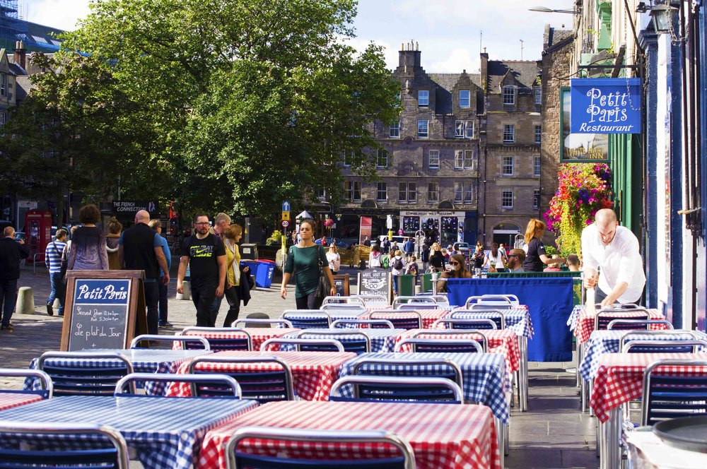 Setting Up The Red, White and Blue Cafe, Edinburgh Street Scene