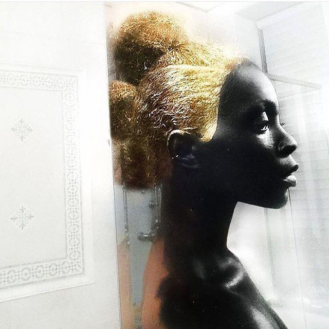 Stächa Muse. Art by @linairisviktor • • • •  #inspiration #gold  #StachaHuis #StachaSquad #art #design  #pretaporter #handmade #womensfashion  #luxury #glam #custom #satorial #curve #curvefashion #satorial #fashion #dresses #womenswear #exclusive #NYC  #fashion #highfashion #gown #blackdesigners #Suriname #SouthAmerica