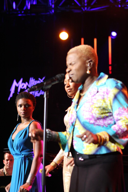 lisa-simone-angelique-kidjo-lizz-wright_01_montreux-jazz-festival-2009_IMG_0199.jpg