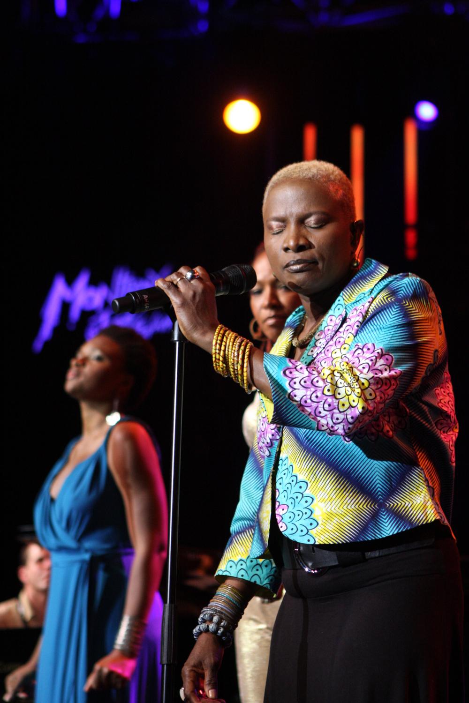 lisa-simone-angelique-kidjo-lizz-wright_02_montreux-jazz-festival-2009_IMG_0200.jpg