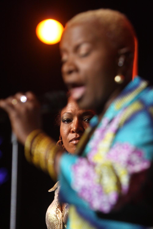 lisa-simone-angelique-kidjo-lizz-wright_03_montreux-jazz-festival-2009_IMG_0204.jpg