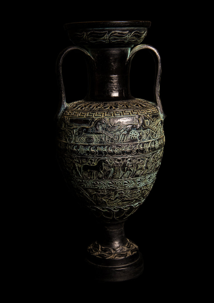 A sizable painted terracotta greco roman vase of wonderful form toad a sizable painted terracotta greco roman vase of wonderful form reviewsmspy