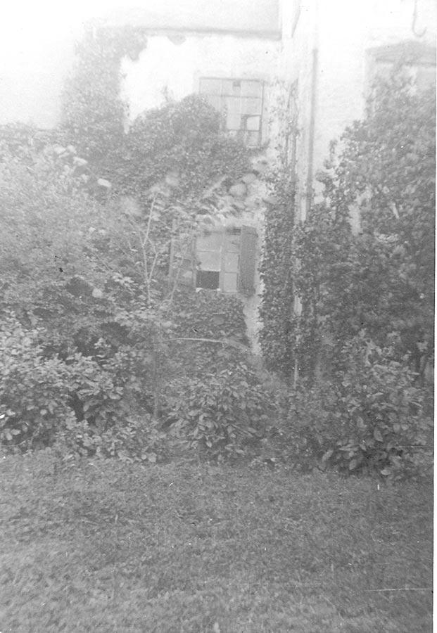 Derrière la maison / Hinter dem Haus, Birelerhof, Sandweiler © photographe inconnu, droits réservés