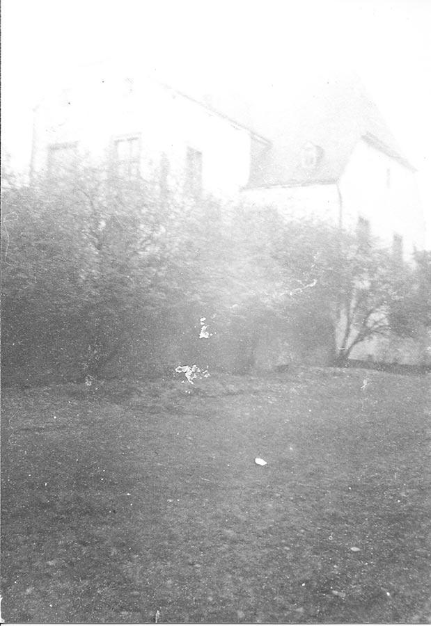 L'ARRIÈRE ETLE CÔTÉ DE LA MAISON/ Rück- und Seitenansicht des Wohnhauses,Birelerhof, Sandweiler © photographe inconnu, droits réservés