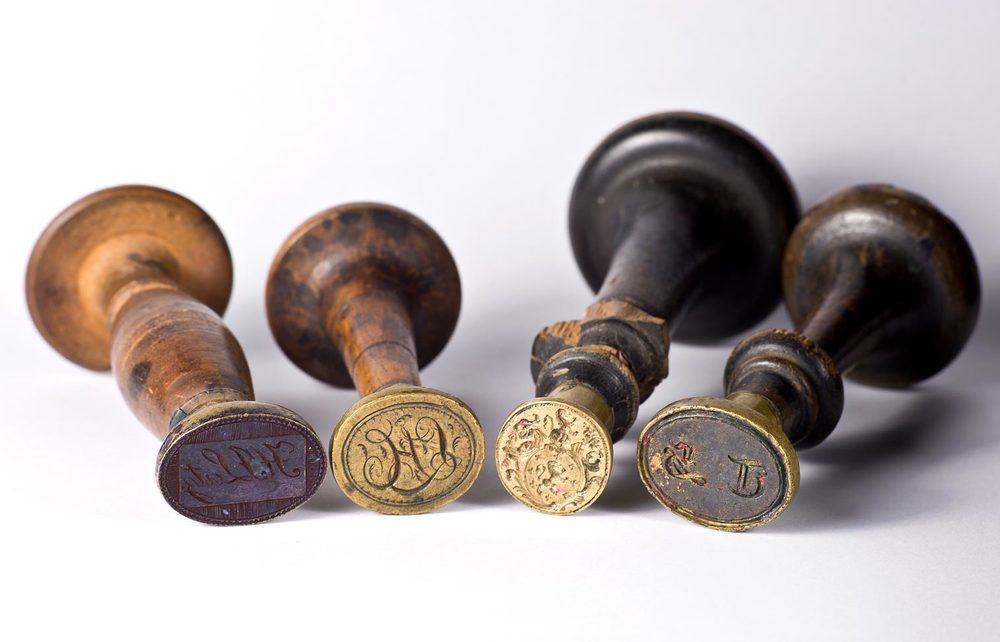 Divers sceaux / Verschiedene Petschafte © auteurs, droits réservés