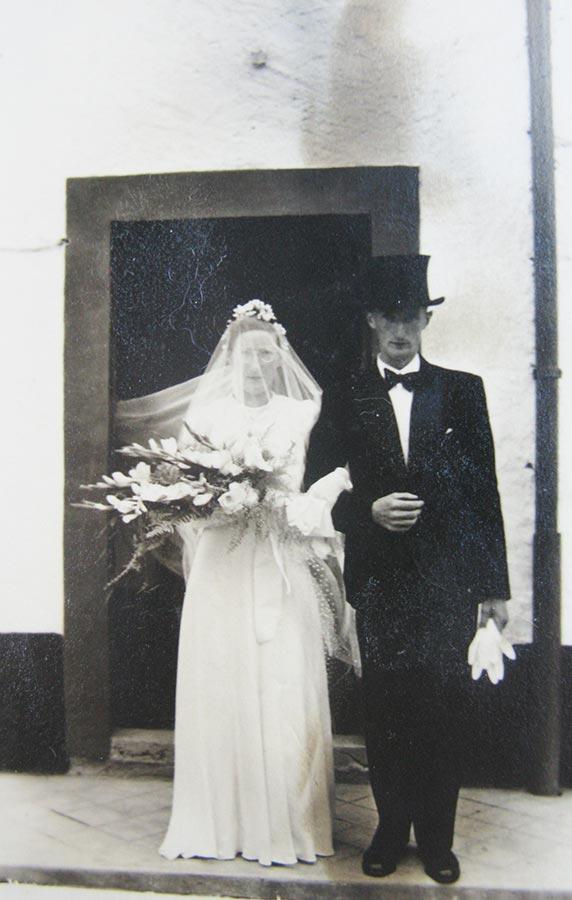Les mariés / Das Brautpaar Gertrud Schmitz et / und Theodore Mangen, 1941 © photographe inconnu, droits réservés