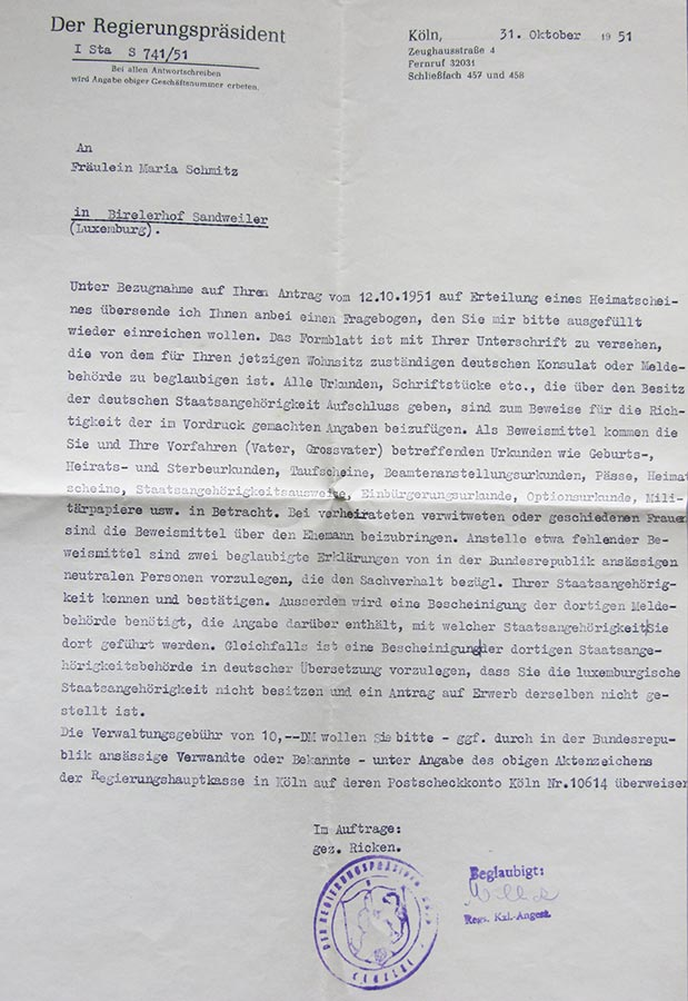 Courrier du Président du Conseil d'Etat suite à la demande d'un Certificat de séjour par / Bescheid des Regierungspräsidenten bezüglich eines Antrages für einen Heimatschein durch Maria Schmitz, 1951