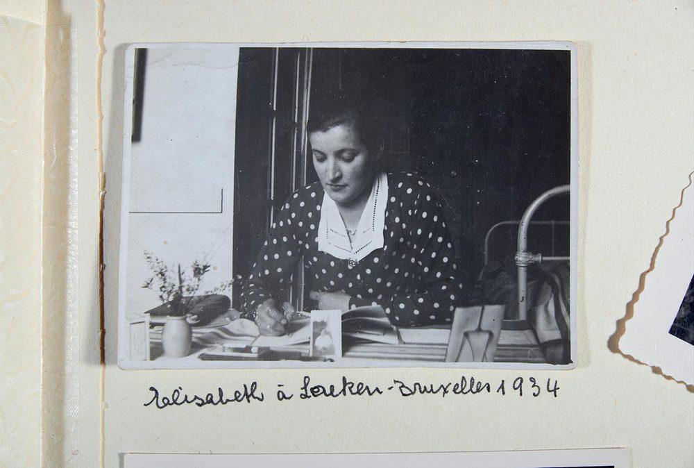 Album constitué par Elisabeth Schmitz. Ici, pendant ses études à Bruxelles / Album zusammengestellt von Elisabeth Schmitz. Hier während ihres Studiums in Brüssel © photographe inconnu, droits réservés