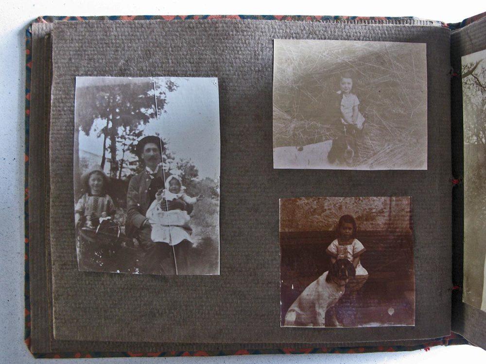 Alderich Schmitz et ses filles / und seine Töchter Marianne et / und Elisabeth © photographe inconnu, droits réservés