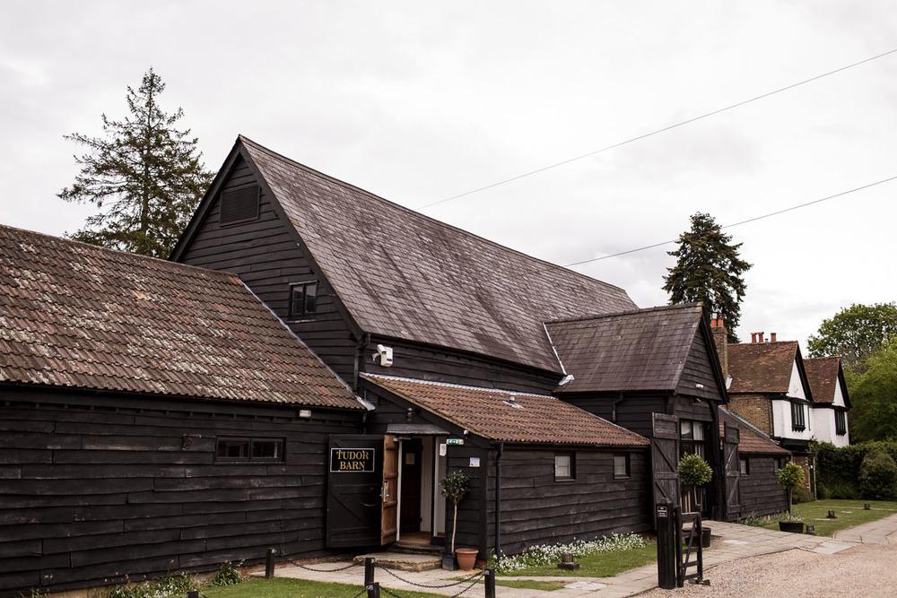 Tudor_Barn_Wedding_06