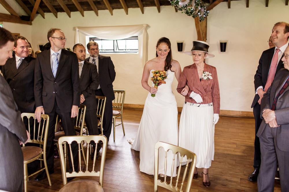 Tudor_Barn_Wedding_14