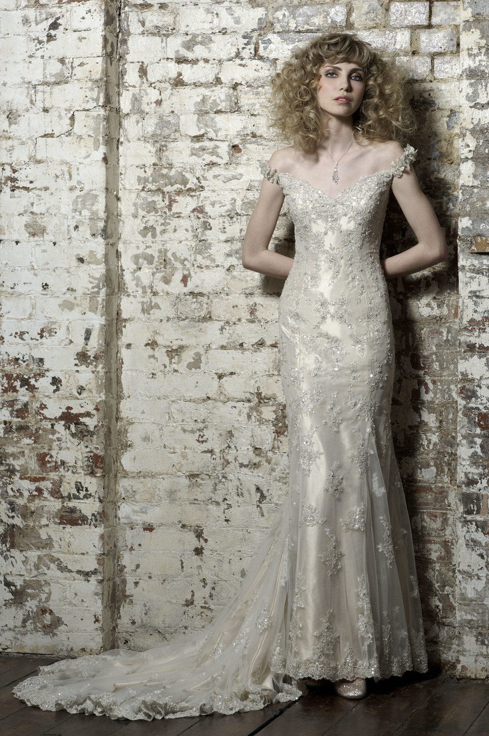 Bali by Ian Stuart Size 12 Sample. Was £1887 Now £1000