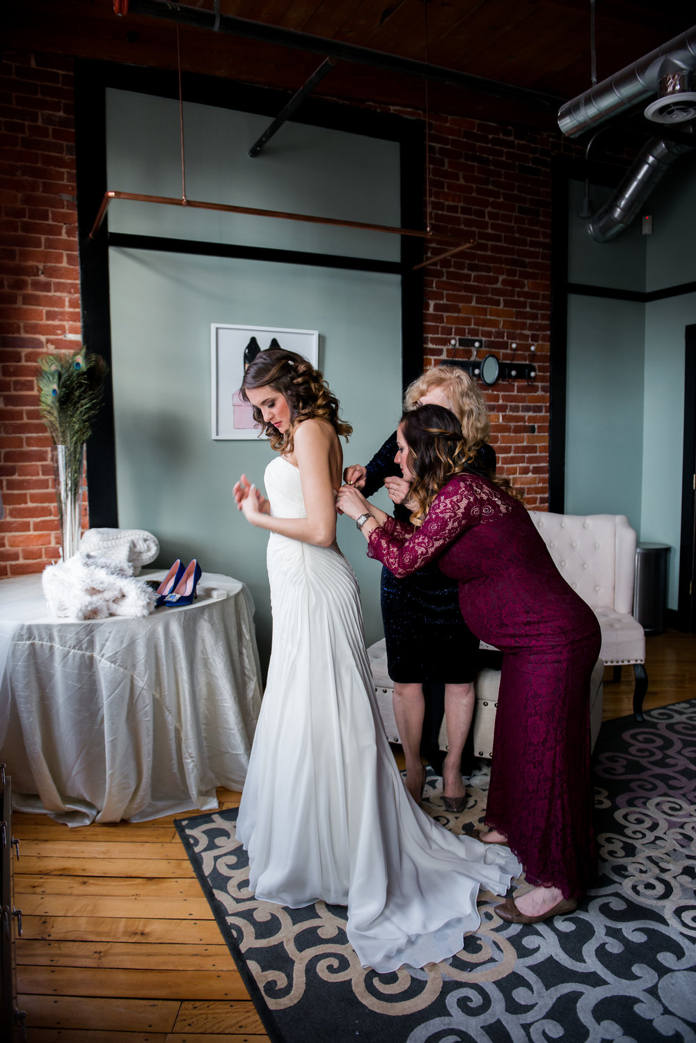 LUV LENS_WEDDING_EMILY AND ANDREW-131.jpg