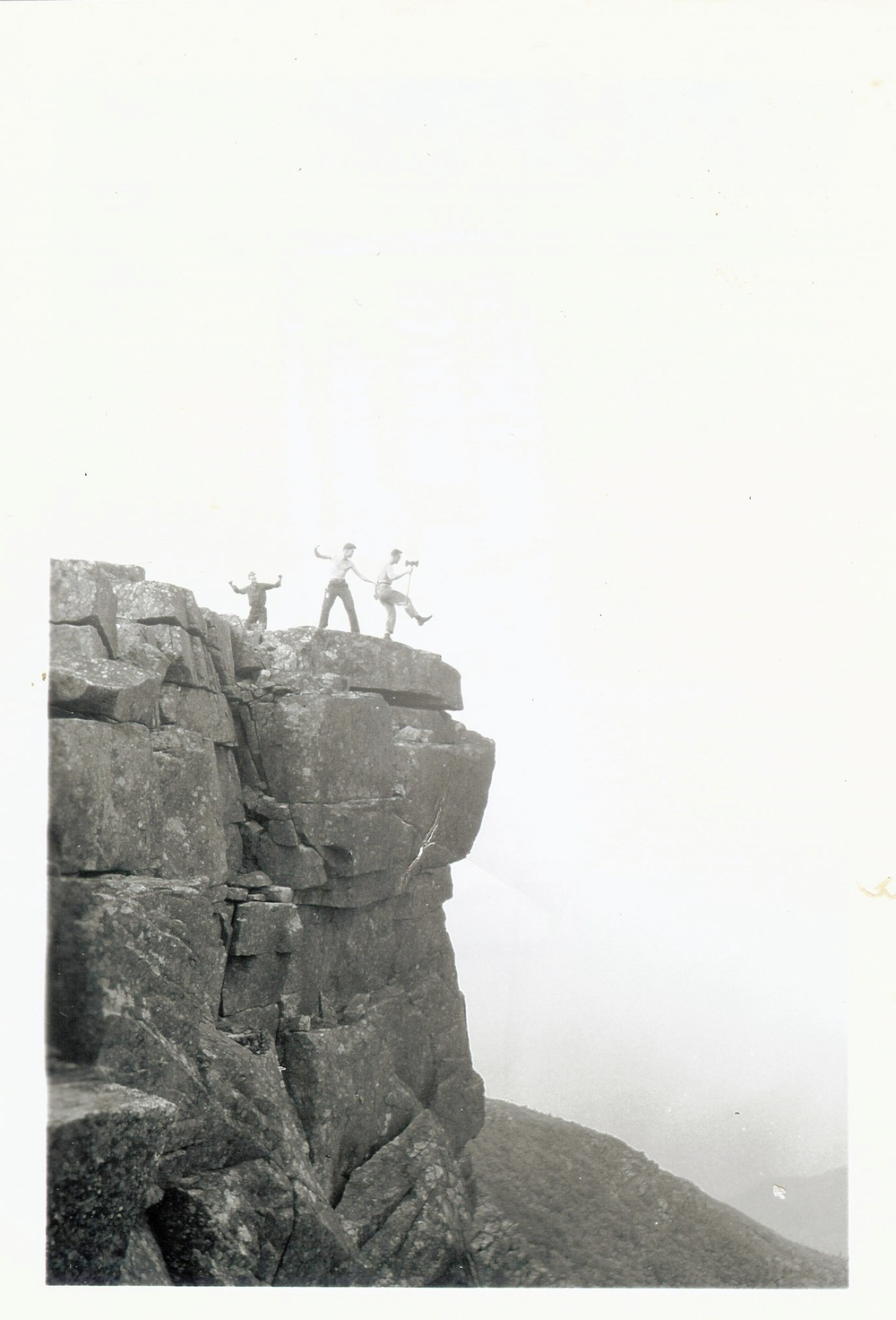 1940's - Crew on Bondcliffs