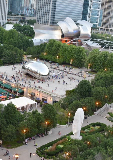 Gehry bandstand (Jay Pritzker Pavilion), the Bean, and the head facing Madison
