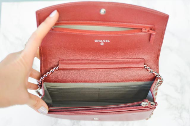 d10e20aebe9 I ve taken this purse everywhere and it s really held up well. Partially I  think because this is caviar leather without the quilted diamonds (lambskin  will ...