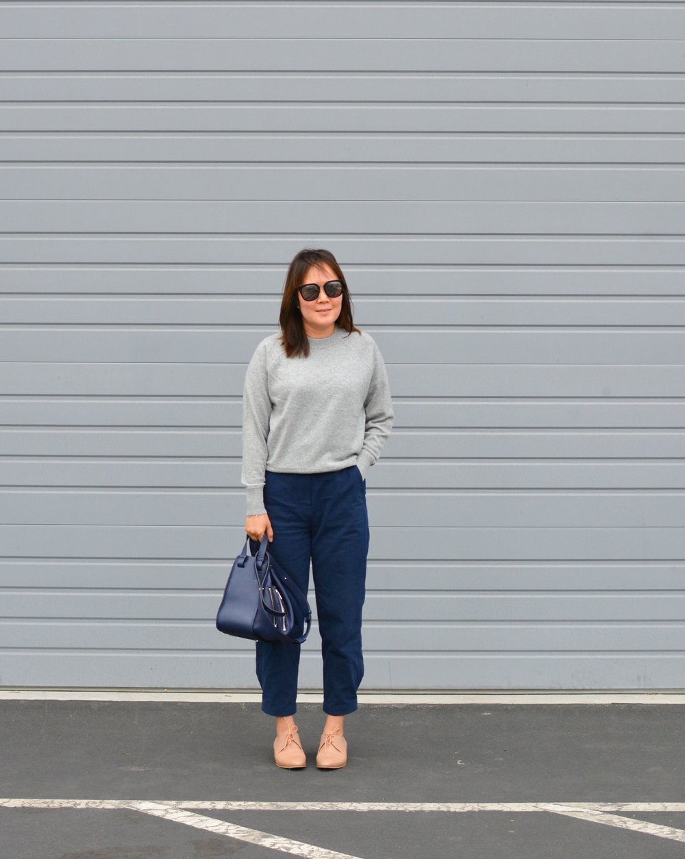 Everlane Review The Cashmere Sweatshirt (2 of 3)-min.jpg