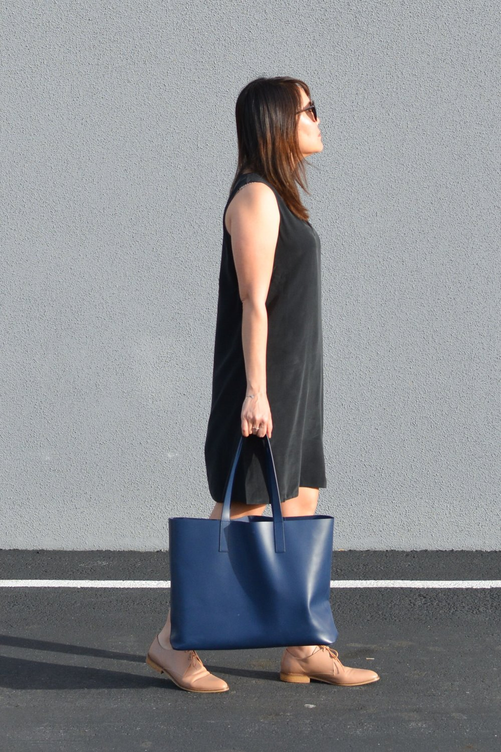 Everlane Review The Double-Lined V-Neck Silk Dress (3 of 3)-min.jpg