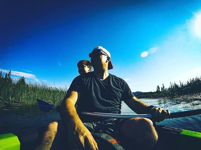 When was the last time you did something with your kids with no agenda other than spending your most precious resource, time. . #kayaking #kayak #centraloregon #parenting #bend #bendlife #pnwlife #pnw #pnwonderland #thatpnwlife #oregonexplored #theNWadventure #entrepreneurlife #behnkeadventures #goodlife #liveauthentic #welltravelled #exploretocreate  #wildernessculture  #adventurevisuals #ig_mood  #letsgosomewhere #portraits_ig  #folkvibe #exploreeverything #wanderfolk #quietthechaos