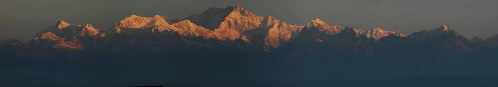 indian-himalayas-panaroma