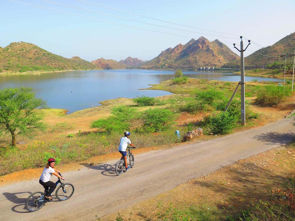 Badi-lake-cycling-udaipur