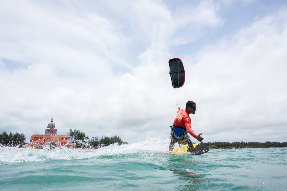 4.Kitesurfing-training2.jpg