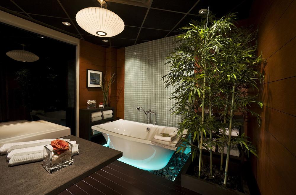 DFWExpCtr-Bath-hi1500.jpg