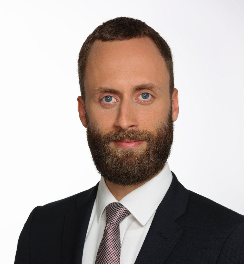 Stefan Scheutzow   Manager  stefan.scheutzow at finbridge.de  +49 151 58062824   LinkedIn  |  Xing