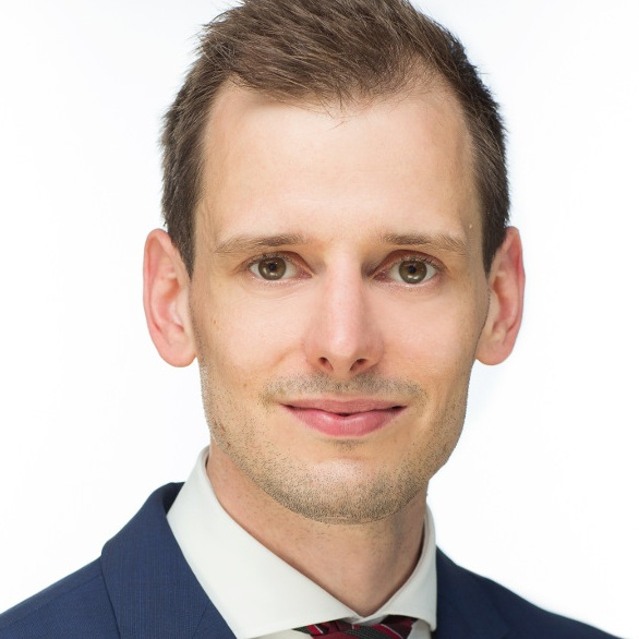 Hendrik Sumpf, FRM   Manager  Business Consulting   LinkedIn  |  Xing