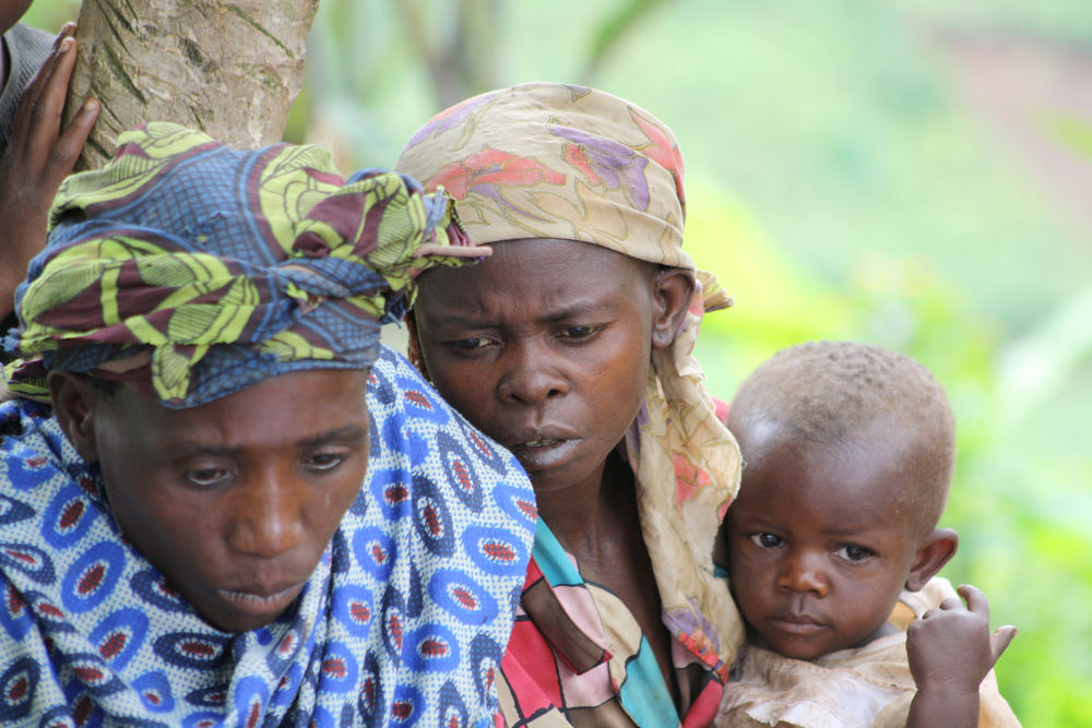 Batwa women and child, Kanungu, Uganda