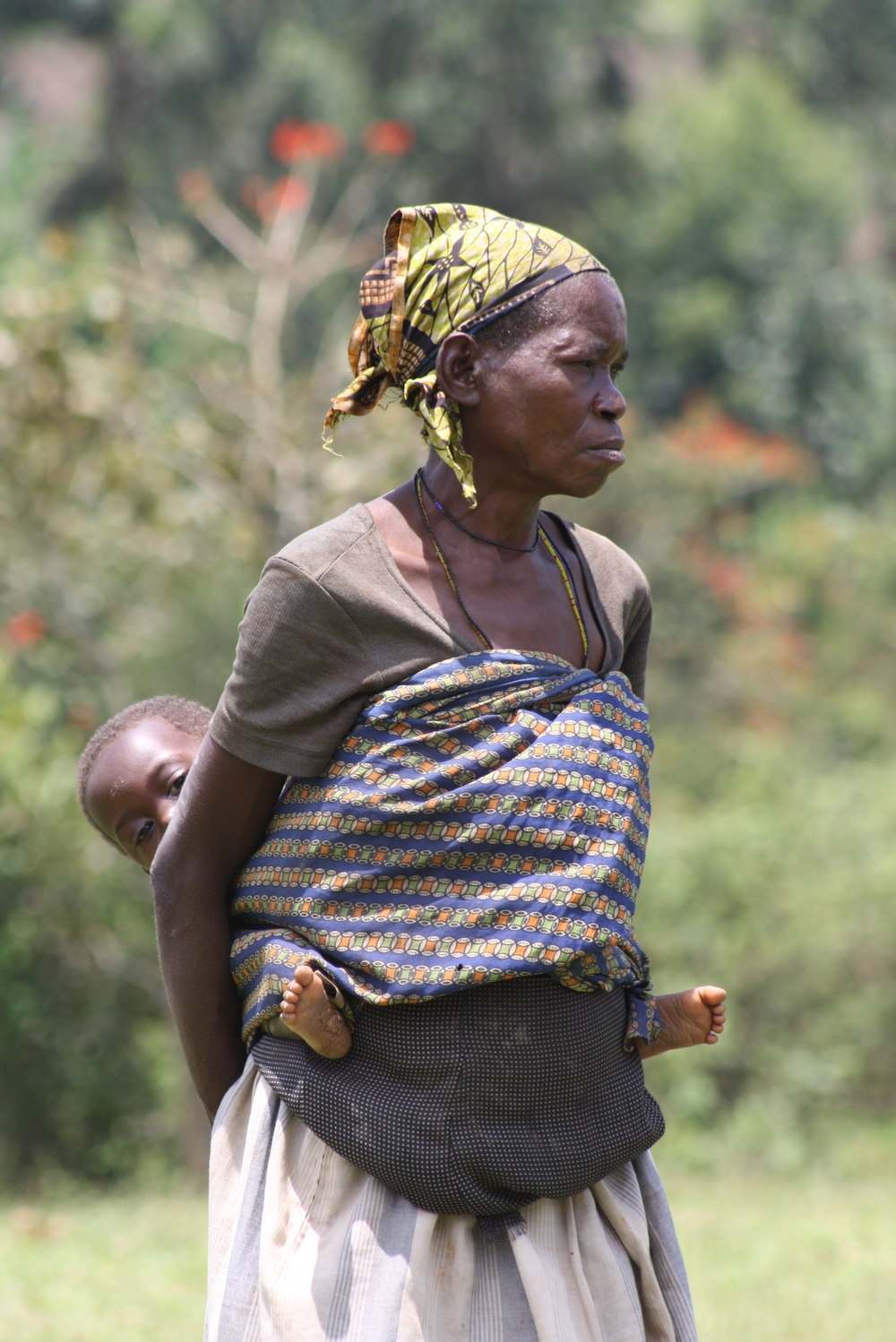 Batwa woman and child, Kanungu, Uganda