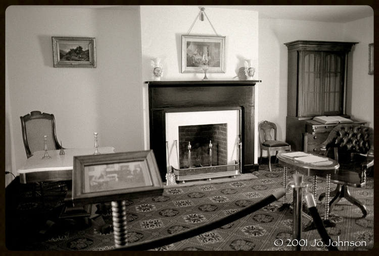 Sitting Room (2001)