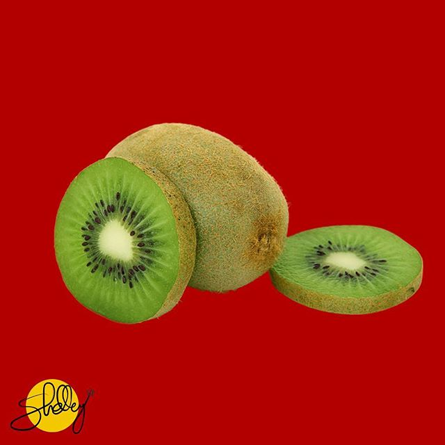 Kiwi 🥝 fruits are incredibly good for your skin and overall health. They're packed with Vitamin C and nutrients. The skin is also edible which gives you a fiber kick, but you'd have to get past the hairiness of the situation.  #kiwi