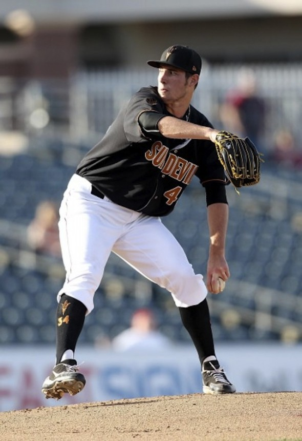 Ryan Kellogg was hit above the elbow with an elbow, but still gained the win as the Arizona State Sun Devils edged Oklahoma State. It was the Ontario Prospects' grad's 20th career win at ASU